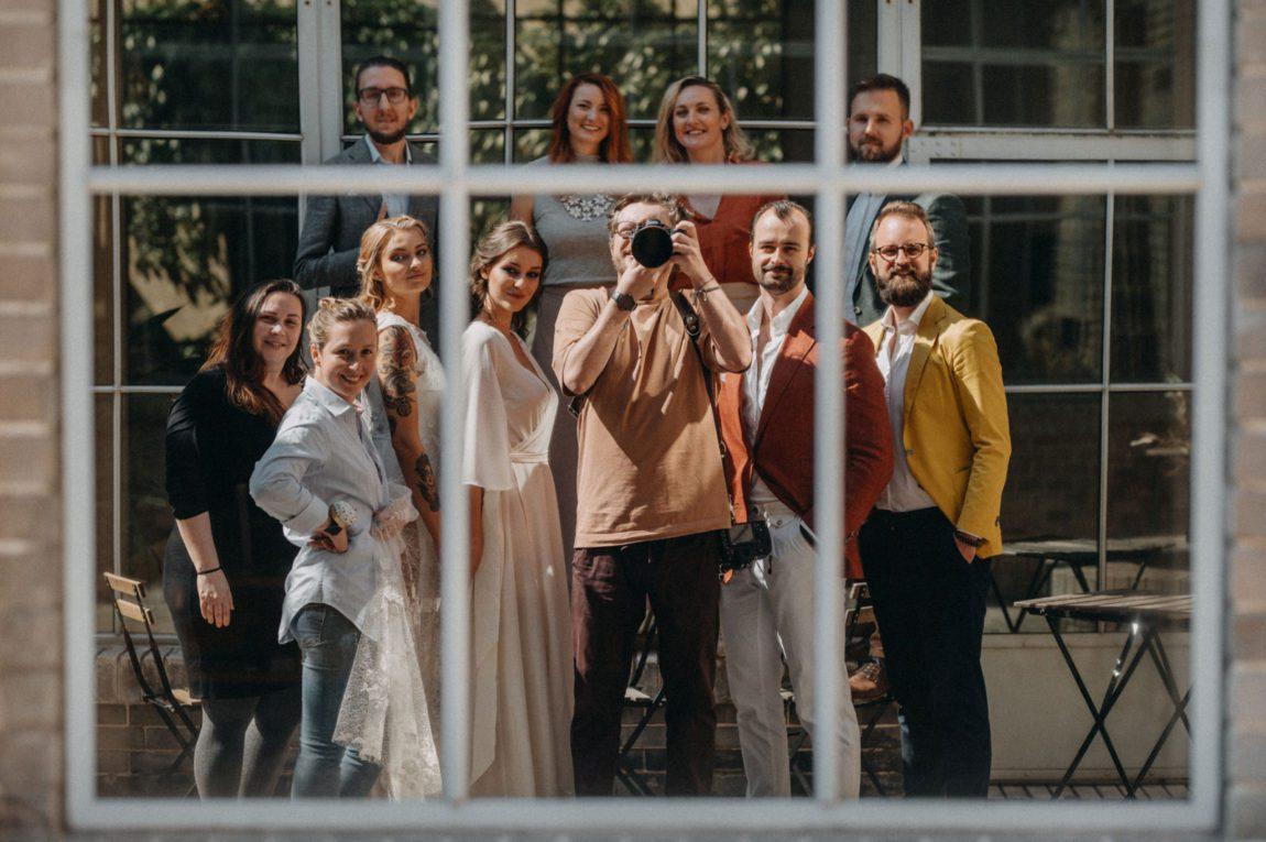udržitelná kolekce svatebních šatů od Férovek a Wedding Factory