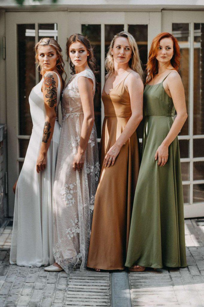ivory, mandlové, olivové a bronzové udržitelné svatební šaty od Férovek a Wedding Factory