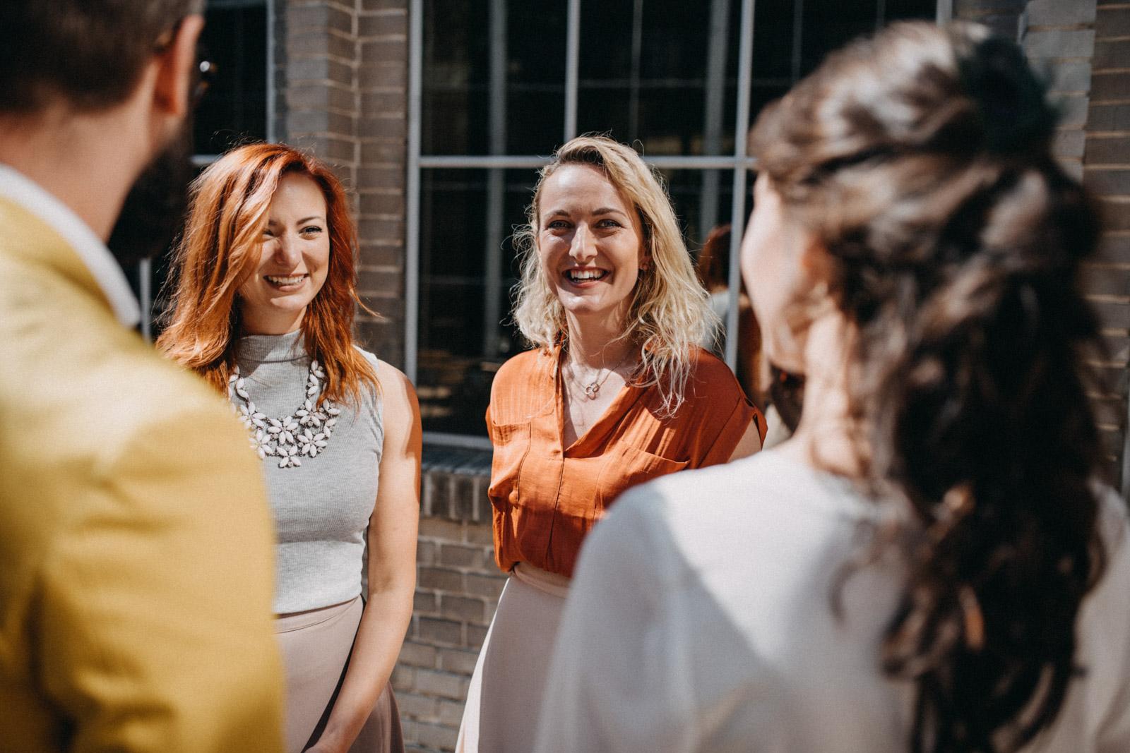 focení editorialu udržitelných svatebních šatů od Férovek a Wedding Factory